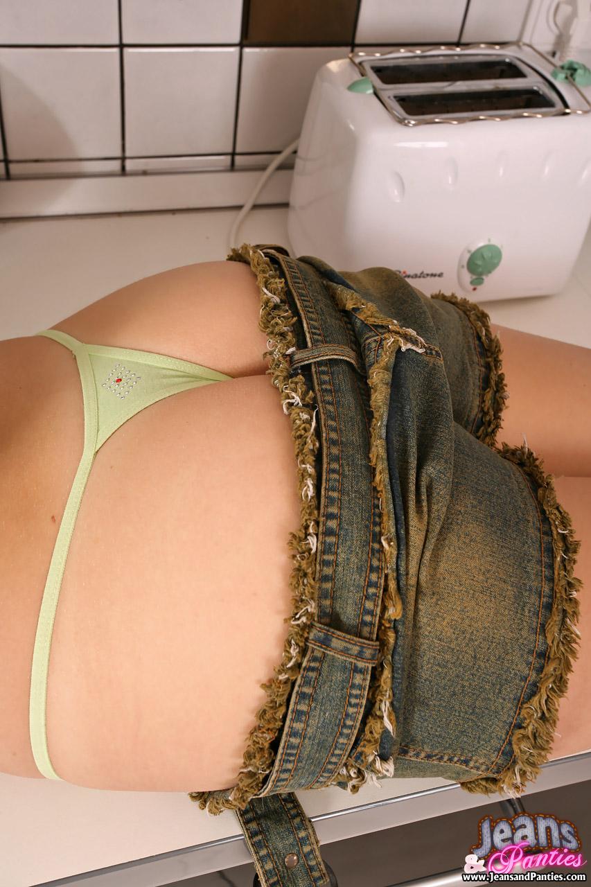 Big Ass Ebony Shai Sucked A Big Cock