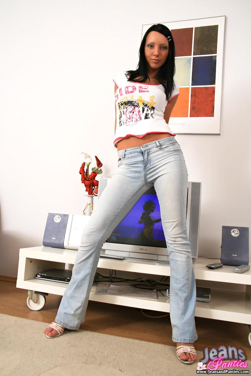 Шлюха в джинсах фото 14 фотография