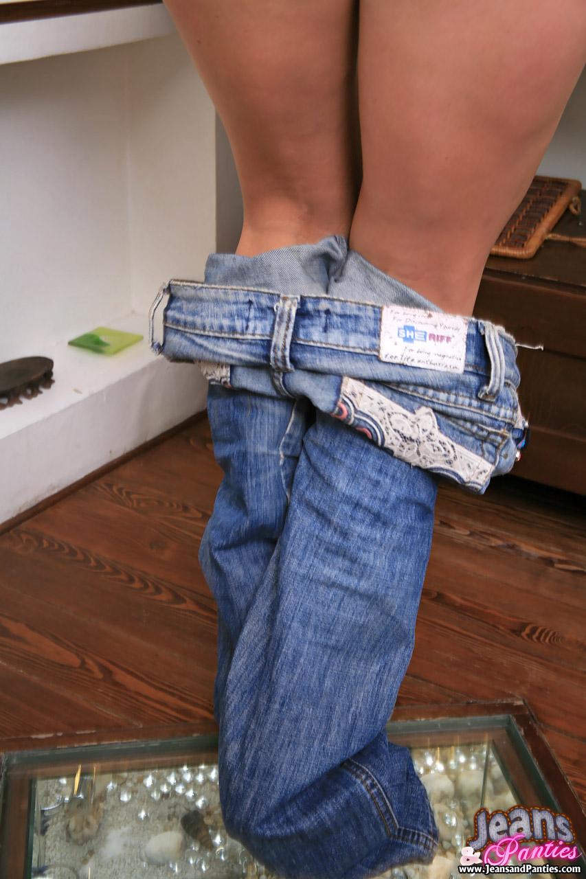 Фото снимает джинсы 9 фотография