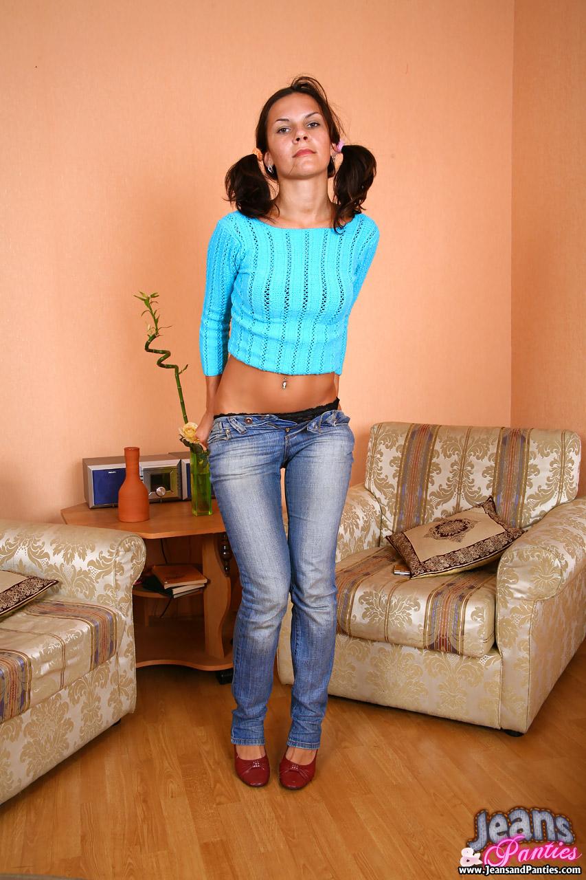 Фото снятые джинсы 10 фотография